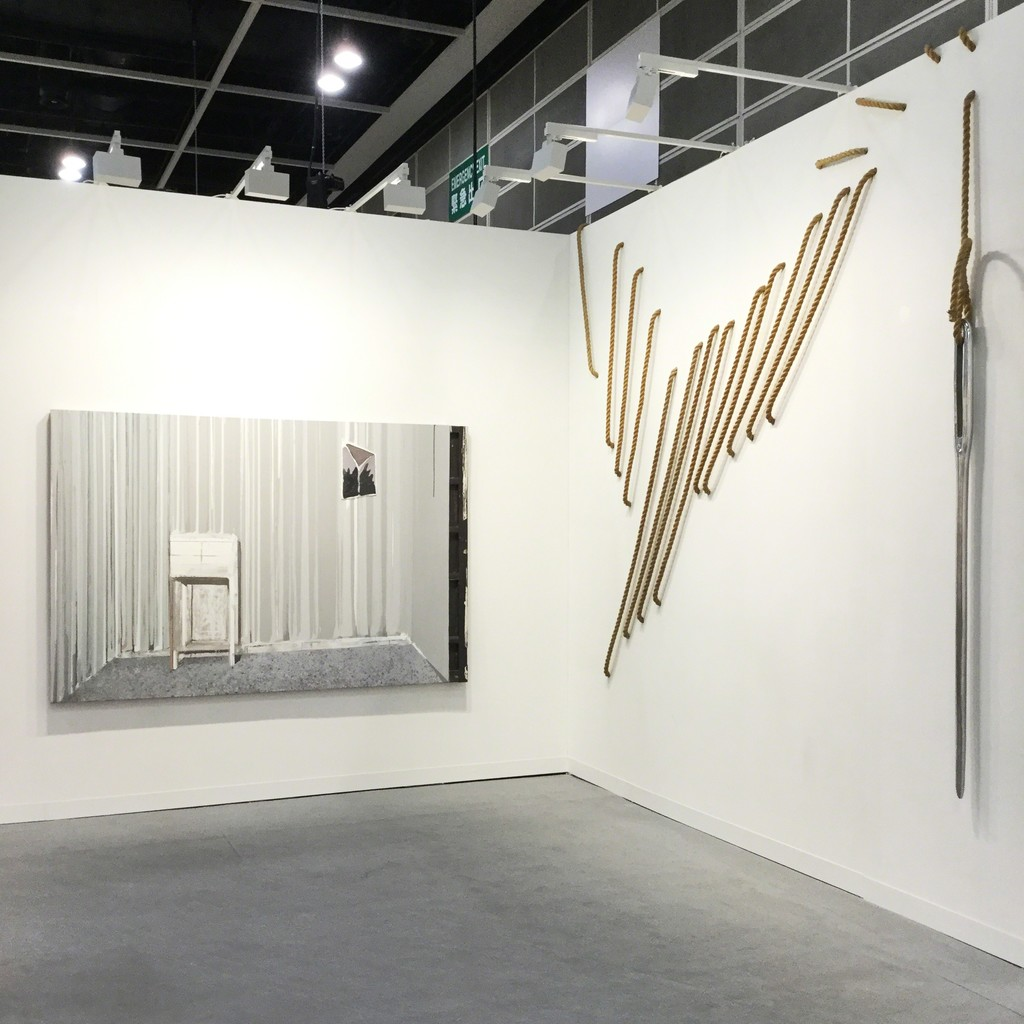 ARARIO GALLERY at Art Basel Hong Kong 2017, Booth 1D40, Works by CHEN Yujun (left) and Subodh GUPTA (right).