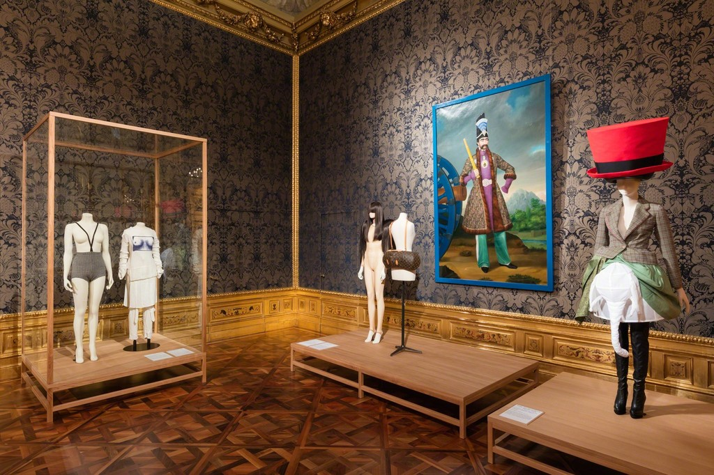 Exhibition view The Vulgar - Fashion Redefined, Photo: © Belvedere, Vienna