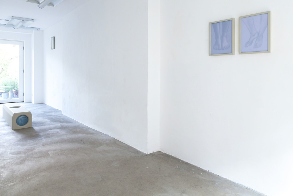 "Michael Volkmer: installation view (from left to right), ""housing #1"" / Eva-Marie, 2015 
