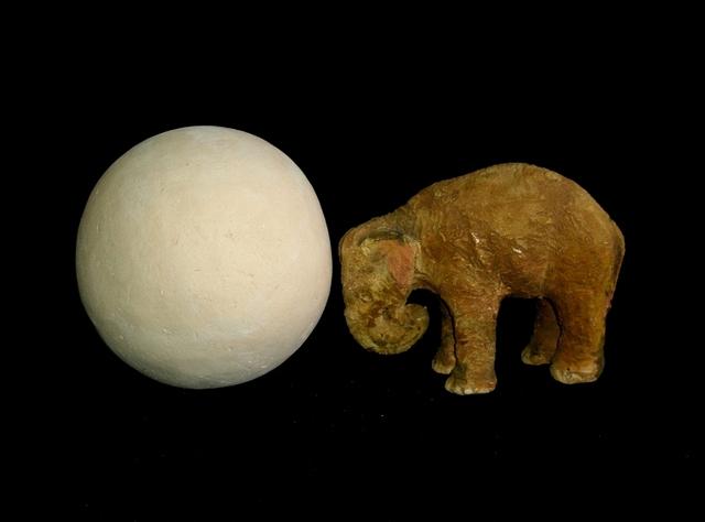 LAURA ROSETE, 'Elefante empujando una esfera ', 2009, Sculpture, Ceramic, Quetzalli Arte y Diseño