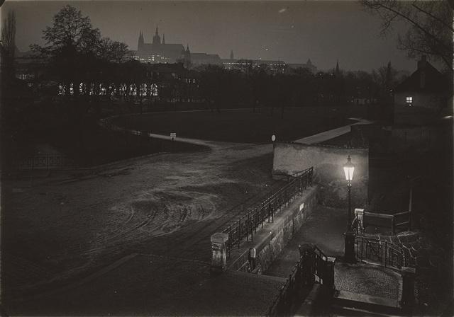 , 'Prague pendant la nuit,' 1950-1959, Jeu de Paume