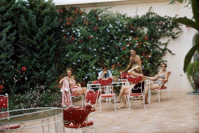 , 'Elise Hunt, John F. Kennedy, Mrs Thaw et Mme X, Cap d'Antibes,' 1953, Opiom Gallery