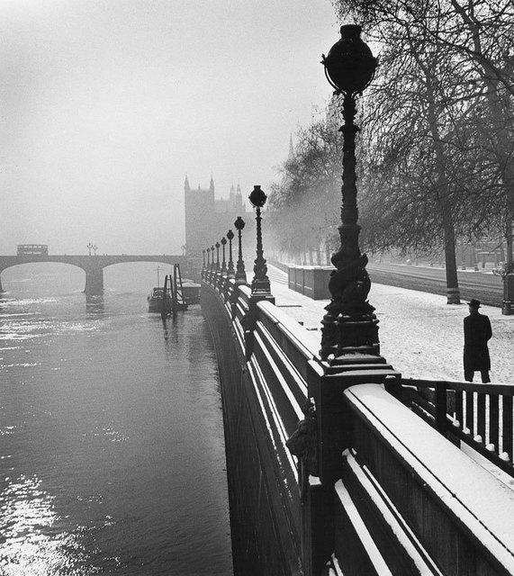 , 'Embankment, London,' 1947, The Photographers' Gallery