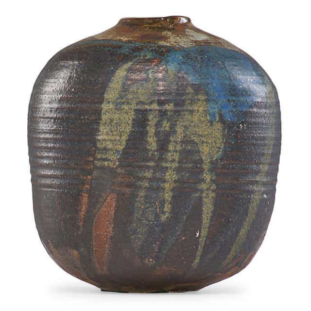 Toshiko Takaezu, 'Vase form, USA', Rago