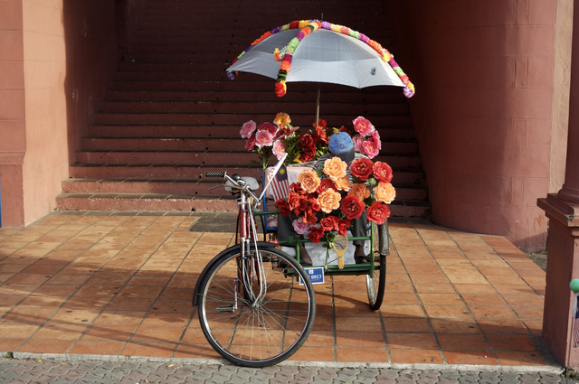, 'Flowers on Rickshaw,' 2006, Getty Images Gallery