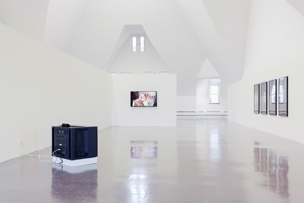 ALEJANDRO CESARCO, SONG, INSTALLATION VIEW, 2017. COURTESY OF THE ARTIST AND TANYA LEIGHTON, BERLIN. PHOTO: USEFUL ART SERVICES.