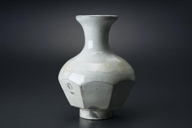 , '粉引面取花生,' 2013, Tomio Koyama Gallery