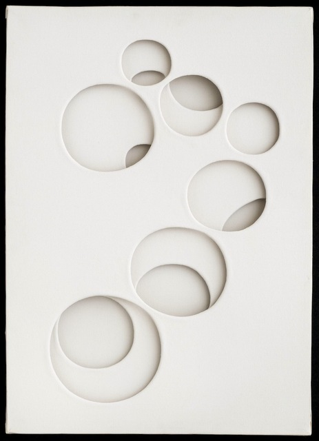 , 'intersuperficie curva bianca ,' 1969, Galleria il Ponte