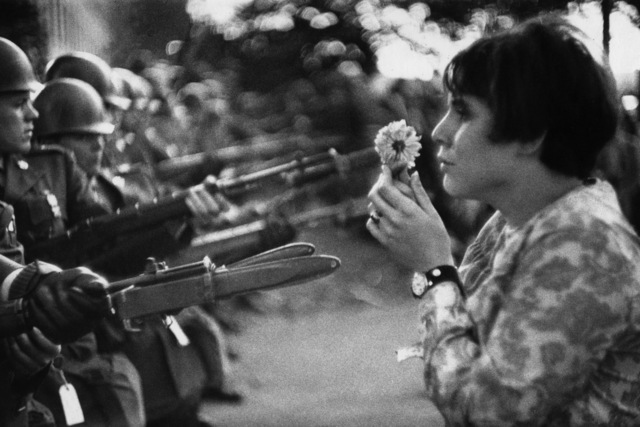 , 'La jeune fille à la fleur, Manifestation contre la guerre du Vietnam, 21 octobre 1967,' 1967, Galerie Arcturus