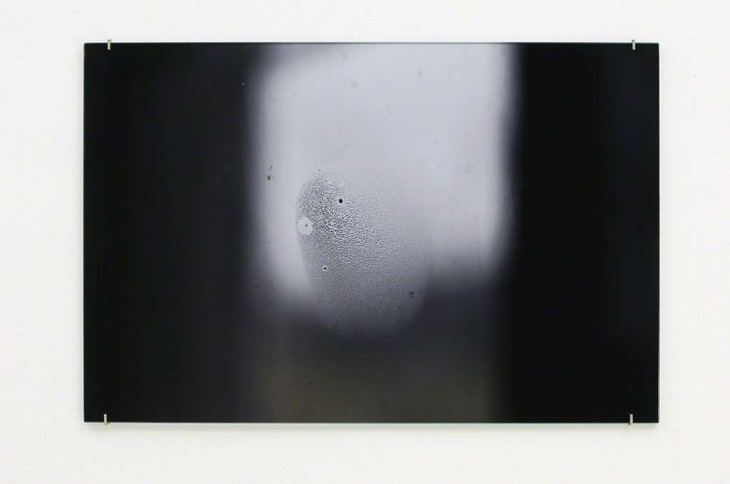 Susan Philipsz, Vernebelt, C-Print on Alu-Dibond. 2016
