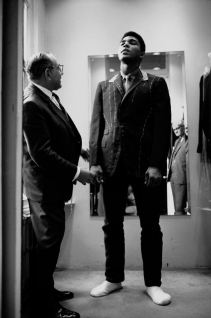 , 'Muhammad Ali is fitted for a new suit,' 1966, Galeria de Babel
