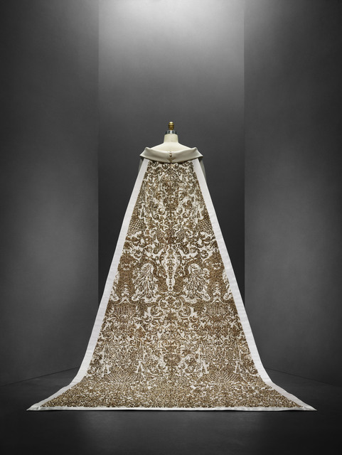 , 'Wedding Ensemble (back view),' autumn/winter 2014–15, The Metropolitan Museum of Art