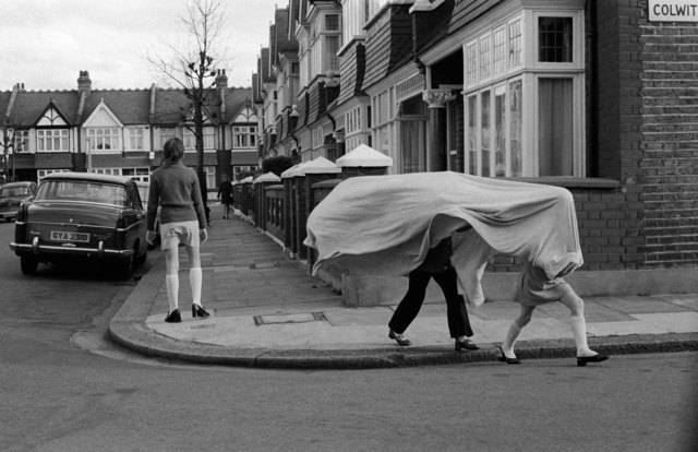 , 'Children playing in a suburban street, Wandsworth, London,' ca. 1970, Les Douches La Galerie