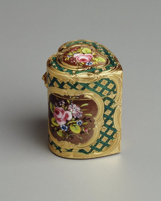 François-Guillaume Tiron, 'Heart-shaped Box with Flowers', 1756-1762, Hillwood Estate, Museum & Gardens