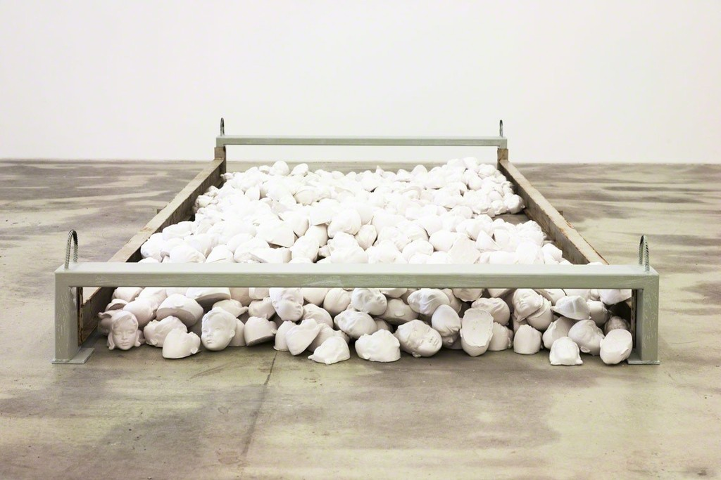 two thousand profiles, 2015, gypsum, metal, each 354 x 151 x 32 cm, exhibition view at Klemm's, Berlin 2015
