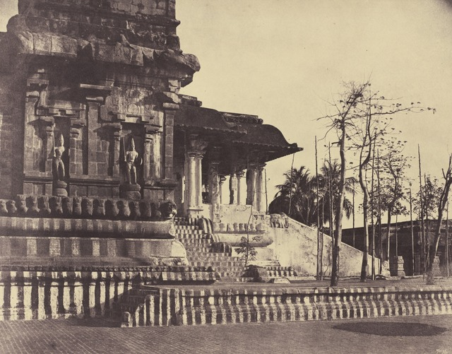 Linnaeus Tripe, 'Tanjore: Great Pagoda, Entrance Looking Outwards', March-April 1858, National Gallery of Art, Washington, D.C.