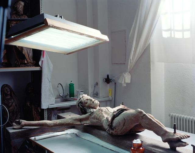 , 'Christusfigur liegend,' 2008, FELD+HAUS