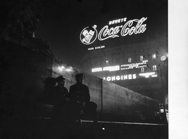 Ugo Mulas, 'Milano, Notturno Piazza Duomo', 1960 ca., Il Ponte