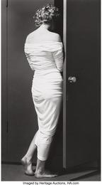 Marilyn entering the closet