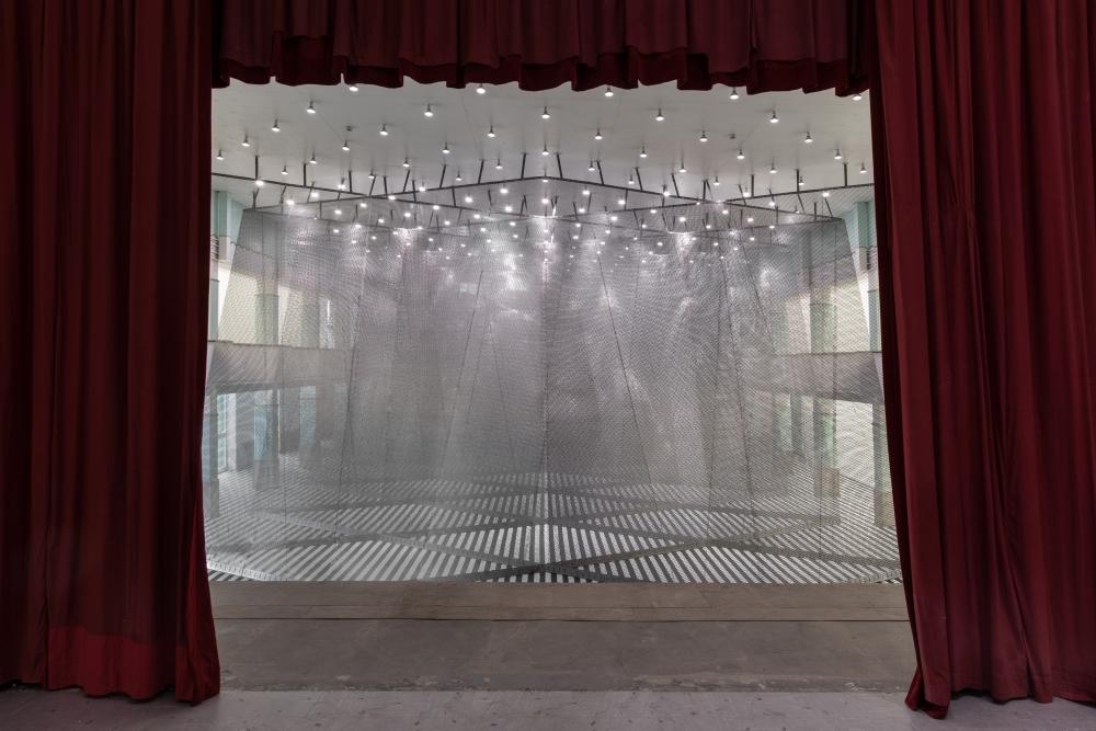 DANIEL BUREN & ANISH KAPOOR, exhibition view GALLERIA CONTINUA, San Gimignano. Ph Ela Bialkowska, OKNO Studio