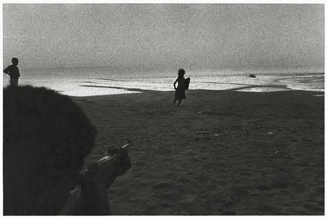 Paulo Nozolino, 'Gun play, Nouakchott ', 1990, Galerie Les filles du calvaire