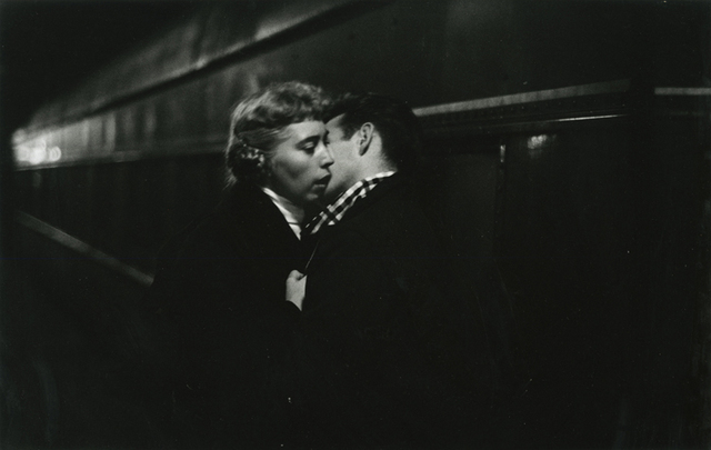, 'The Kiss, New York,' 1959. printed before 1986, Be-hold