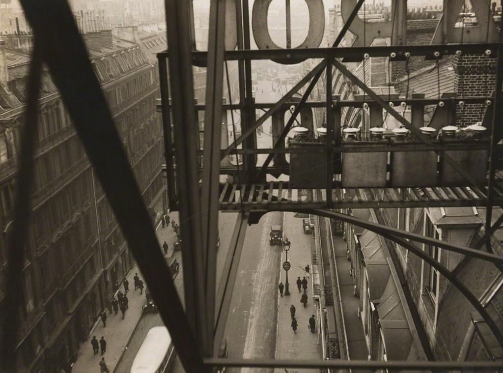 Germaine Krull, 'Rue Auber à Paris,' ca. 1928, Jeu de Paume