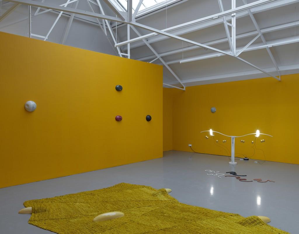 "Jennifer Tee, installation overview ""Let it Come Down"", Galerie Fons Welters, Amsterdam 2018. Photographer: Gert-Jan van Rooij."
