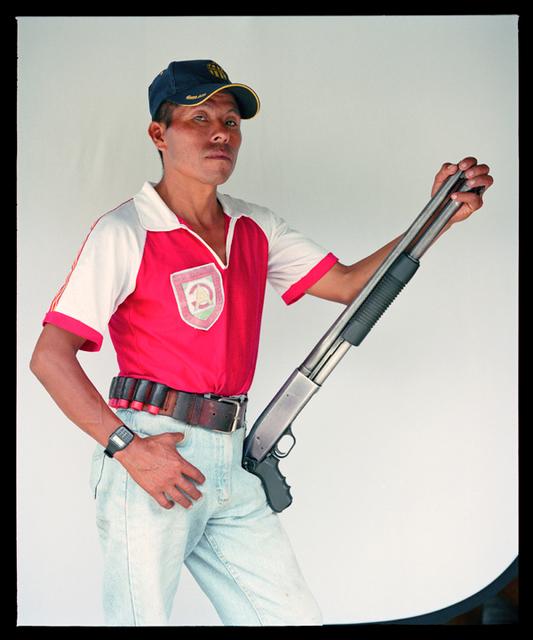 , 'El Garra De la serie (in)Segurirdad. Tipos de guardaespaldas en América Latina,' 2002, Proyecto Paralelo
