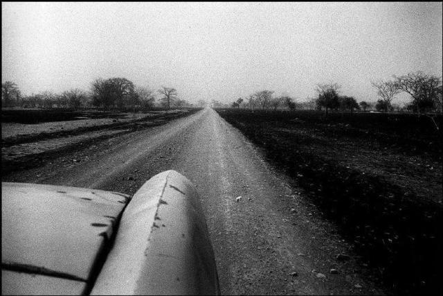 Patrick Zachmann, 'Going to the village of Fegui, Mali', 1994, °CLAIR Galerie