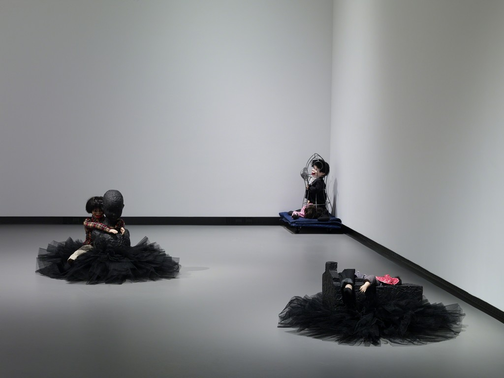 Annette Messager - La petite ballerine 2011,  Mes transports, Le masque rouge 2011.  Photo: Fondation Louis Vuitton, Marc Domage © ADAGP 2014
