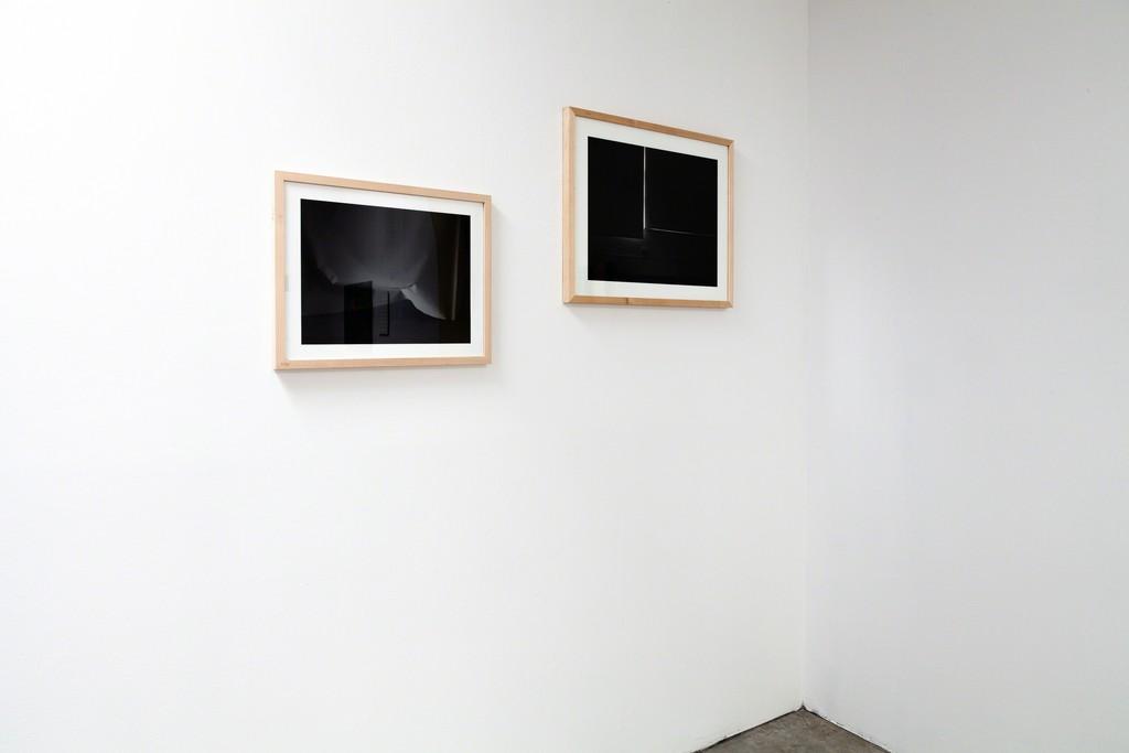 Martina Geccelli: (left) Edition Insomnia/ Stool- Plane, 2012/2017, edition 8+2, photography, Hahnemuehle German etching, 50×40 cm and (right) Insomnia Insomnia (studio), 2015, photography, unique | image ©das_esszimmer