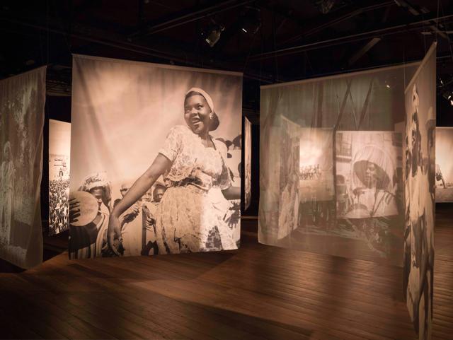, 'Duas linhas sobre Pierre Verger / Two lines on Pierre Verger,' 2019, Galerie Ron Mandos
