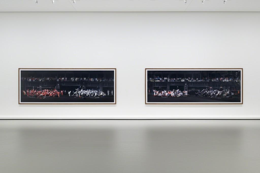 """Installation view of Andreas Gursky, """"F1 Boxenstopp I-II"""" (2007). Fondation Louis Vuitton, Paris. © Andreas Gursky / Adagp, Paris 2015 /Courtesy Sprüth Magers, Berlin London pour l'œuvre de l'artiste. Photo Fondation Louis Vuitton / Martin Argyroglo."""