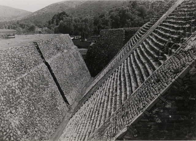 , 'Untitled (Great Pyramid, Tenayuca, Mexico),' ca. 1940, Guggenheim Museum