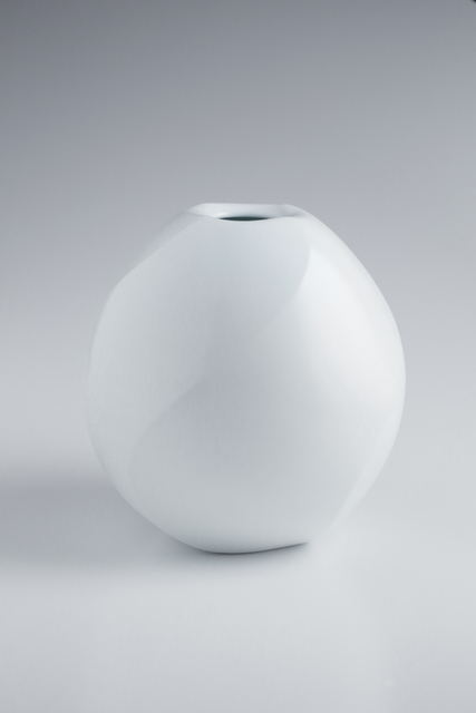 , 'White Porcelain Twisted Faceted Jar,' 2015, Onishi Gallery