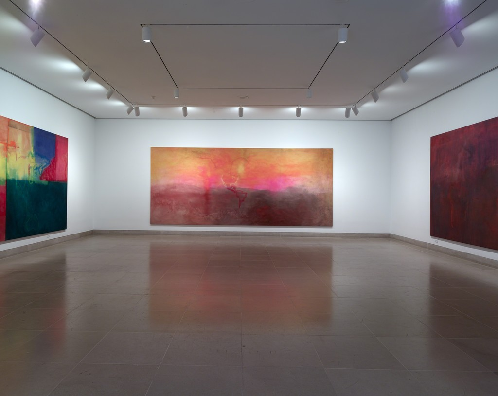 "Installation view of ""Frank Bowling: Map Paintings."" Courtesy of Dallas Museum of Art, Dallas (2015)"