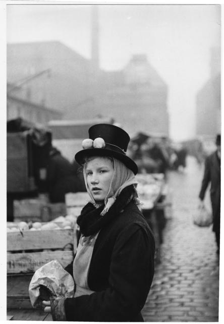 , 'Hamburg, Germany, lemon seller,' 1952-1953, 99Prints