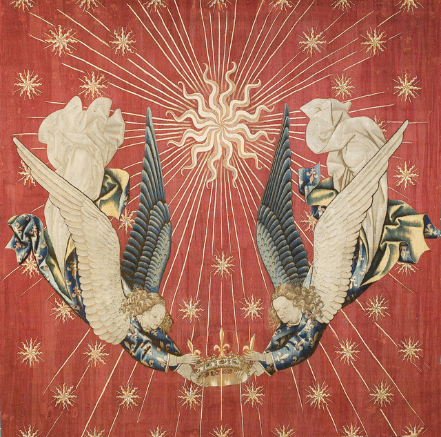 'Tapisserie royale, Charles VII représentant deux anges tenant une couronne (Royal tapestry, Charles VII represented by two angels holding a crown)', c. 15th century, Musée du Louvre